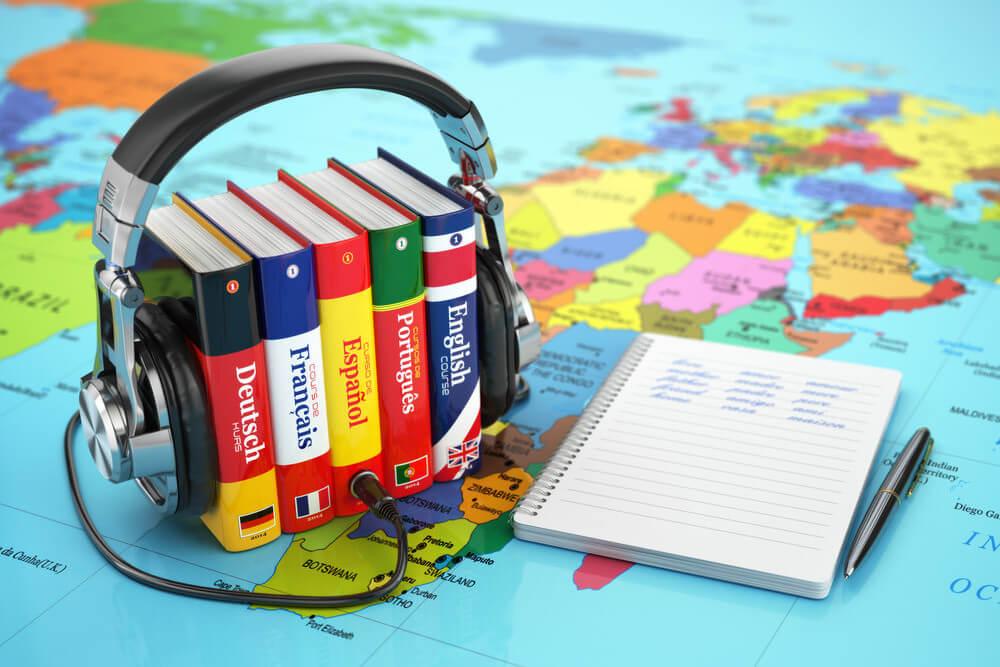 Moderner Büro-Alltag: Multilingual und mit großer Lernbereitschaft