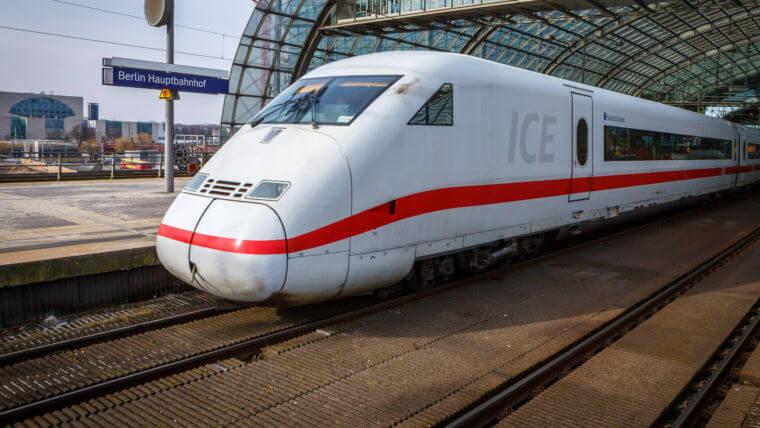 Nach schönster Goldesel-Manier: Externe Bahn-Berater füllen sich die Taschen