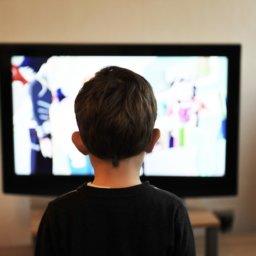 Berufsverband Kinder- u. Jugendärzte: Weniger Smartphone und TV für Kinder