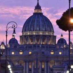 Vatikan: Keine Segnung gleichgeschlechtlicher Beziehungen von katholischer Kirche