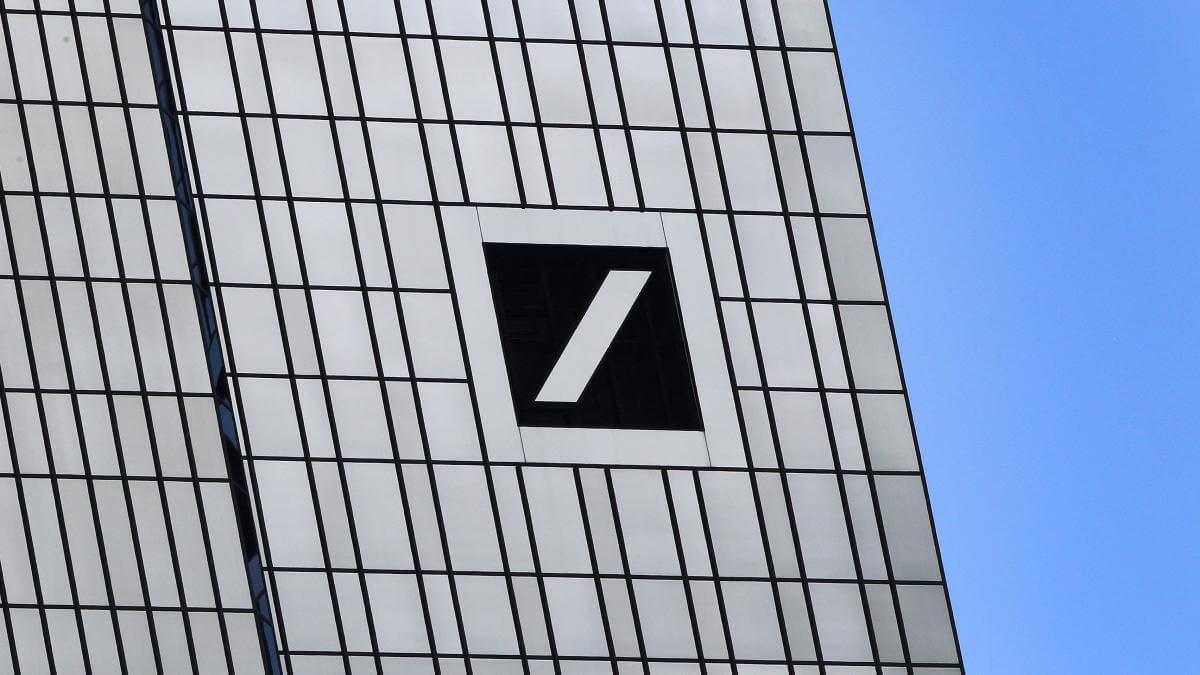Wer stoppt den Absturz von Commerz- und Deutsche Bank?