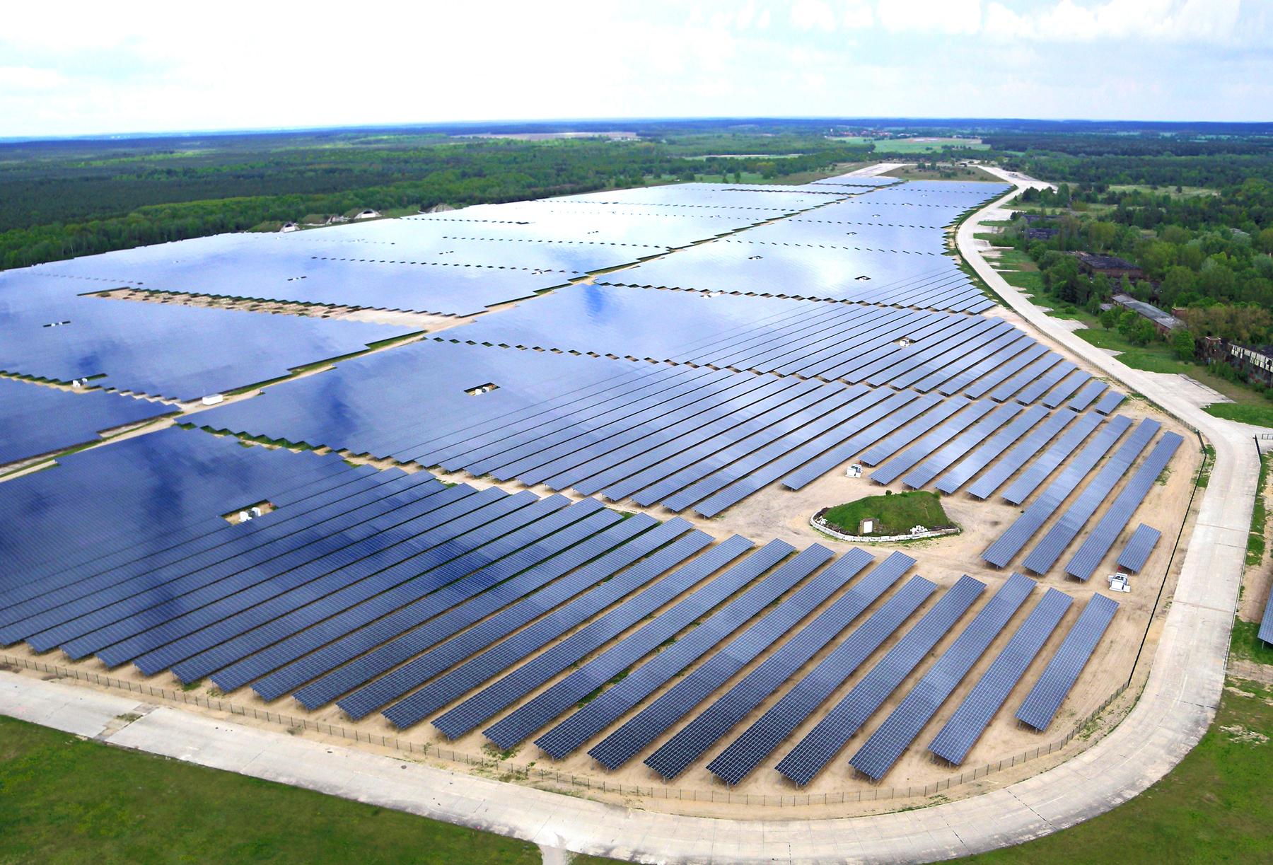 Photovoltaik-Investor DEB Deutsche Energie Beratung kritisiert Bundesregierung