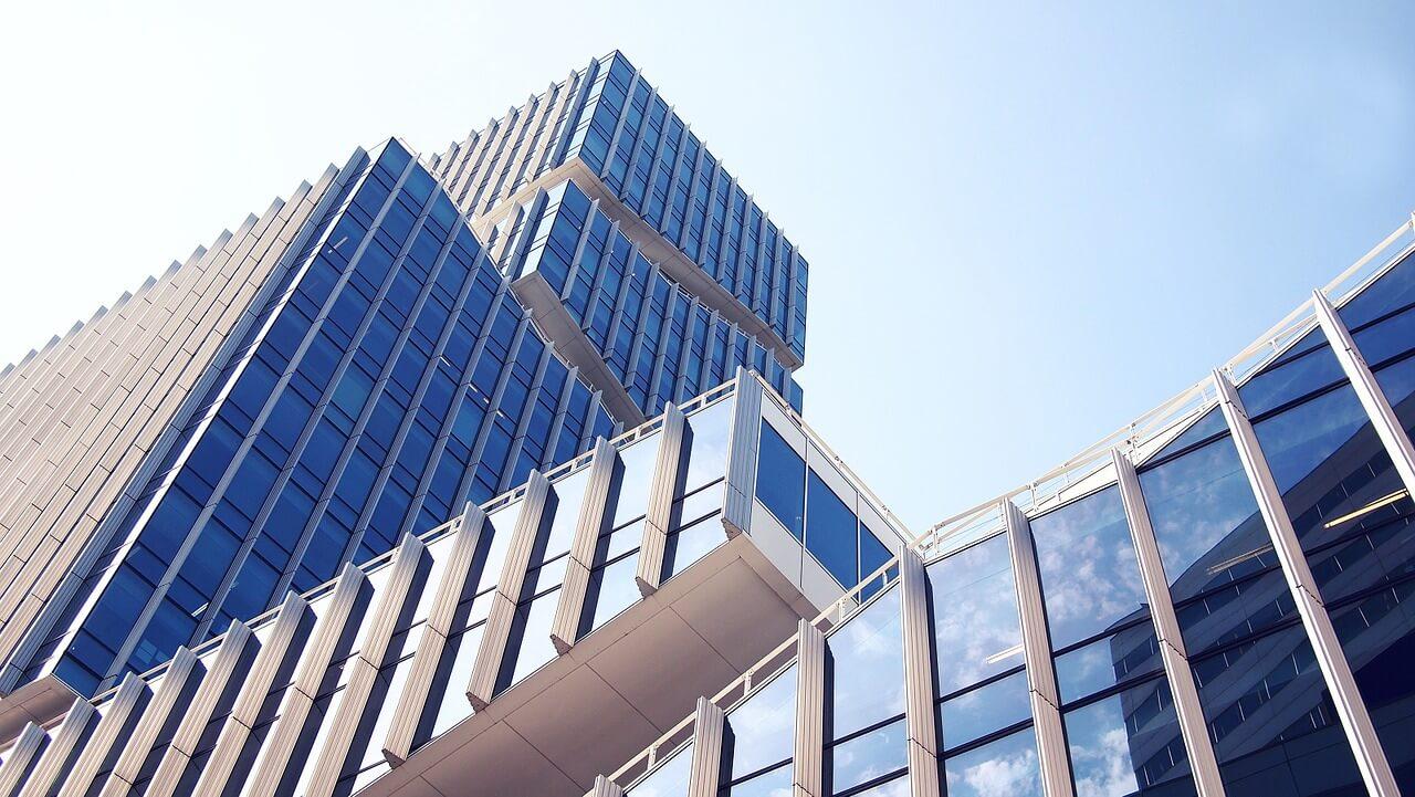 Höhere Renditen, höheres Volumen bei Gewerbeimmobilien